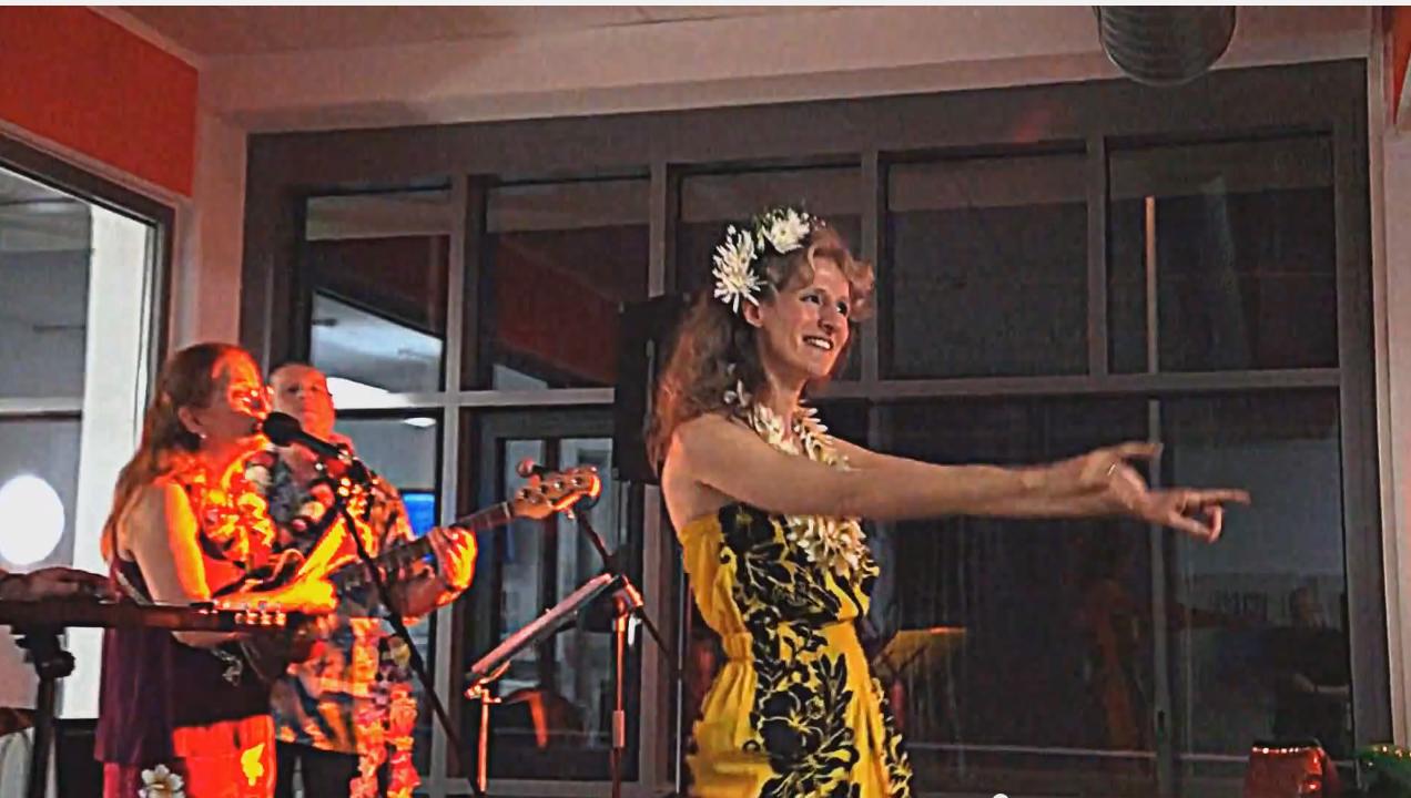 Hawaii-2-3 Live-Band
